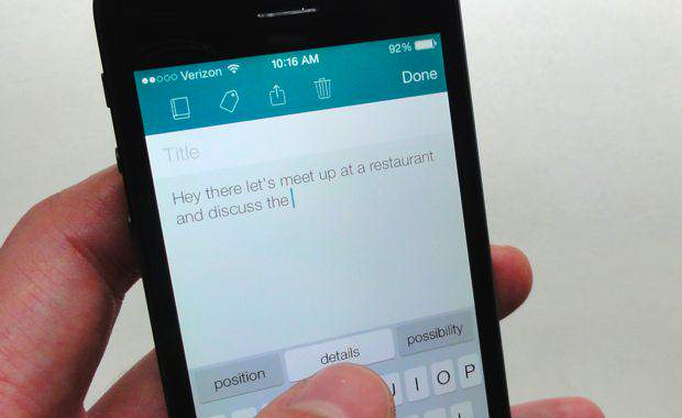 SwiftKey-offers-a-preview-of-QuickType-for-iOS-8
