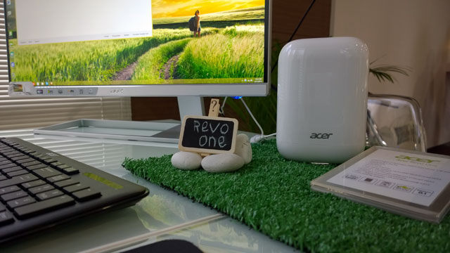 Acer-Revo-One-Display-GG